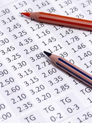 Pour faire le papier au turf, il peut être utile de s'appuyer sur des pronostics gratuits ou payants selon le budget.